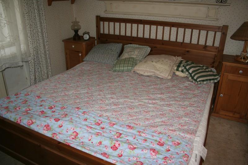 a26e447194f2 Manželská postel Hemnes (IKEA) - prodám