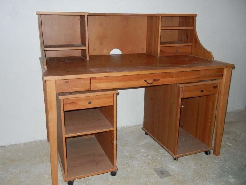 Kancelářský stůl ikea